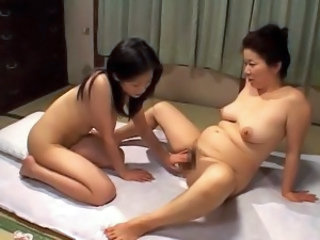 Old young japanese lesbian