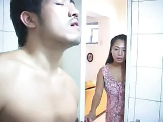 Asian Bathroom Mom Old and Young Voyeur Bathroom Mom Old And Young Bathroom